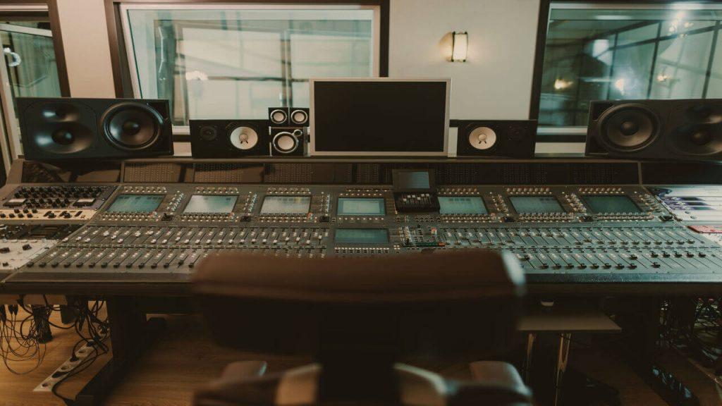music studio garden room